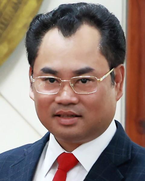 Trịnh Việt Hùng